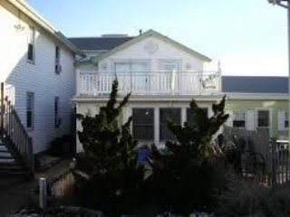 Jersey Shore Seaside Cottage, 1/2 block from beach, beach tags included