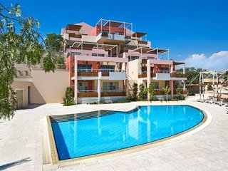 3b Seaview Luxury Pool, Gym, Sauna& Jacuzzi Apartment- Plus Sea beach