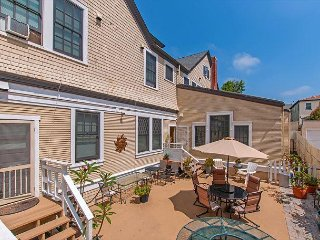 Studio in Historic Bankers Hill Inn close to downtown, Zoo, Sea World