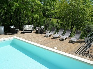 Very beautiful villa in the nature, quiet, heated pool