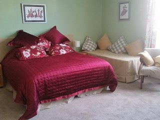 Kingsmead bed and breakfast/ Holiday Let Bedroom 1
