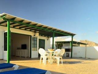 Villa Nohara 22, piscina privada, sol y wifi