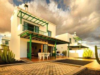 Villas Nohara 12b, piscina privada, sol y wifi