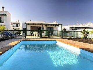 Villa Nohara Superior - piscina privada, sol y wifi