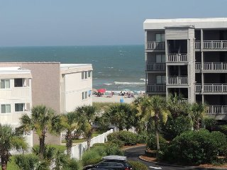 Breathtaking views & steps away from the sand! Pelicans Landing#321