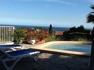 Villa w/ private pool and seaview