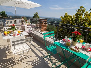 La Valle del Tevere rooms, between Rome and Sabina. Pervinca