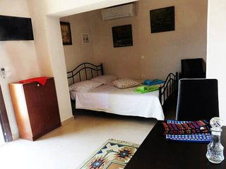 Cretan Star - Ground Floor Studio