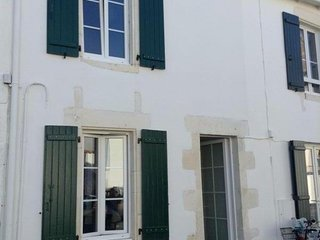 House with 2 bedrooms in Sainte-Marie-de-Re - 300 m from the beach