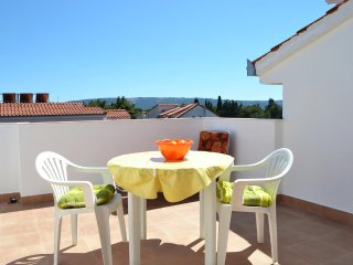 Lovely apartment in popular Beach Area near Trogir - A1