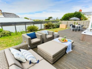 CROYDE BAYWATCH | 5 Bedrooms | Croyde | Sleeps 11 | Hot Tub