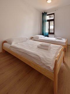 bedroom (apartment 201)