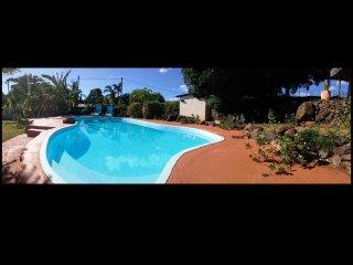 Joli petit bungalow avec piscine