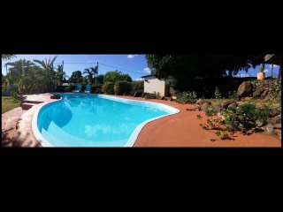 Chambre Papaye avec piscine, Wifi proche de la mer