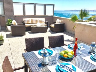 Beautiful 2 bedroom penthouse in beachside complex , terrace with sea views