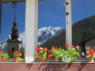 MAGNIFICENT views from delightful  Chalet Sunshine Book as 2, 3 or 4 Bedroom