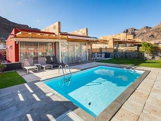 Villa Diana. AnfiTauro Golf, Private pool, 4 bedrooms & BBQ