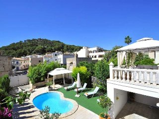 House 10 pax in Capdepera- MALLORCA- Private Pool- Barbecue. 5 bedrooms- Chillou