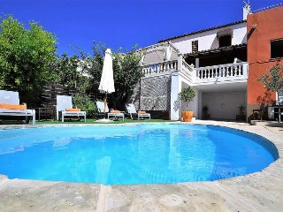 VARNA -House 10 pax in Capdepera- MALLORCA- Private Pool- Barbecue. 5 bedrooms-