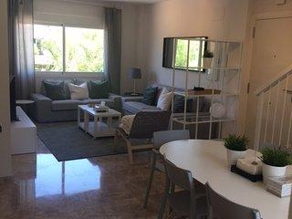 Contemporary 2 Bedroom Apartment in Los Naranjos de Marbella - No 5