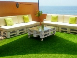 Ático alquiler vacacional frente al mar-Penthouse for rent next to the beach