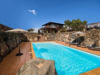 Superb Villa with 7 bedrooms in Macher LVC275611