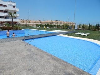 2 Bed Apartment in Lomas de Cabo Roig, 2 Communal pools and heated Jacuuzi