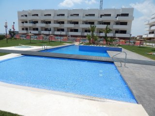 2 Bed Apartment in Lomas de Cabo Roig, 2 Communal pools and Jacuuzi