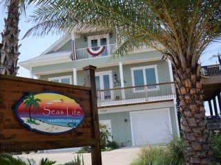 Seas Life Welcomes you to Paradise - Executive Level Beach House