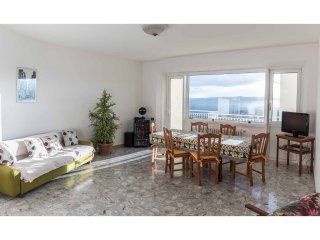 Apartment - 8 km from the beach