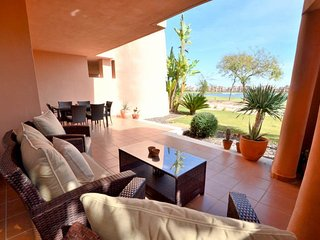 5* Mar Menor Par 72, 18 Hole Nicklaus Golf Course. 2 Bed 2 Bath