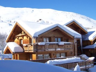 Chalet with 4 rooms in Mont-de-Lans, with terrace and WiFi