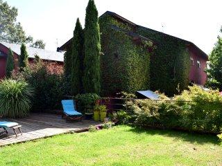 Chalet centrico en pueblo de Navacerrada, con piscina, bbq, vistas pantano