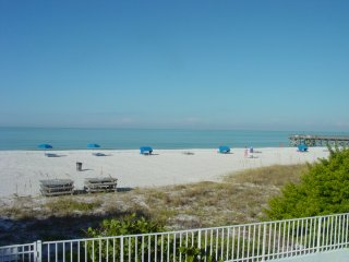 Beach Cottage Luxury 2bd/2bath IndinShores Beach Front Condo The Perfect GetAway