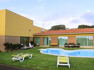 House w/ pool near Povoa de Varzim