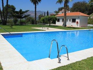 Magnifíc casa con piscina y aparcamiento comunitario,cerca del pueblo y la playa