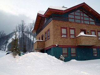 New Construction - Luxury Vistas at Sunrise ski on ski off in Killington!