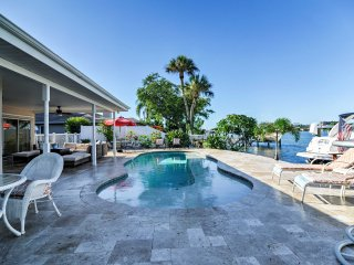 Alluring 4BR St. Pete Beach House w/Wifi & Private Swimming Dock - Incredible