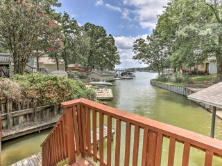 NEW! Waterfront 3BR Cedar Creek Lake House w/Dock