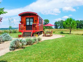 Quaint traditional gypsy caravan with garden and pool access in the Gers region