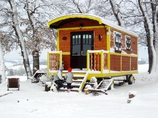 Traditional gypsy caravan with garden and pool access in the Gers region