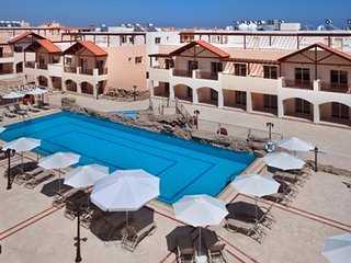 Penthouse apartment 2 km from beach
