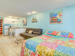 Oceanfront studio with a shared pool, 50's retro style, and beach views