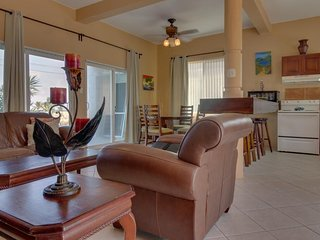 Family-friendly, oceanfront condo with ocean views - beach nearby!