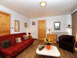 Cosy flat in Levassaix w/views