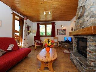 Spacious flat in Levassaix