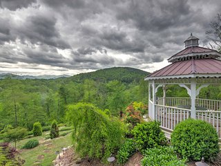 Dogwood Ridge -Franklin Cottage w/Fire Pit & Views