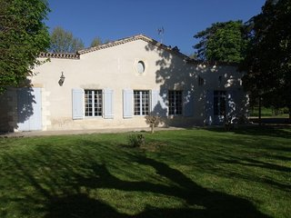 House with 3 rooms near Marmande with enclosed garden and WiFi - sleeps 8!