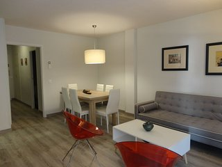 APARTMENT METROPOL, FOR 4 PEOPLE IN FRONT OF THE BEACH WITH LATERAL VIEWS SEA