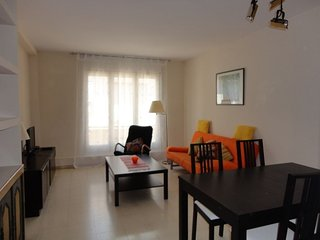 APARTMENT CERVANTES, FOR 5-6 PEOPLE, NEAR THE BEACH